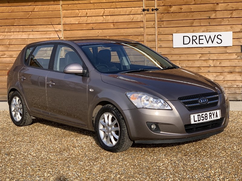 Used Kia Ceed LS CRDI 60 MPG Climate Half Leather in Berkshire