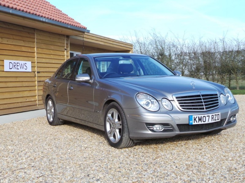 Used Mercedes E320 CDI AVANTGARDE FSH Low Mileage in Berkshire