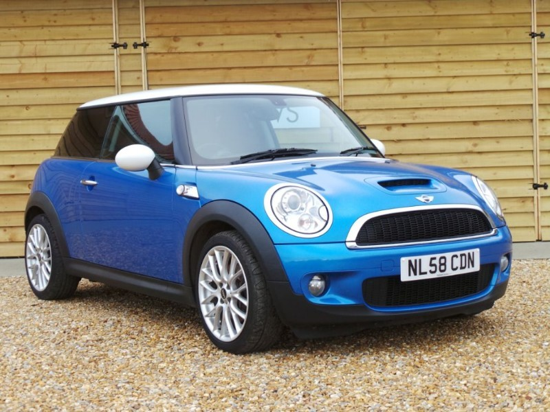 Used MINI Hatch COOPER S Fantastic Spec Great Condition in Berkshire