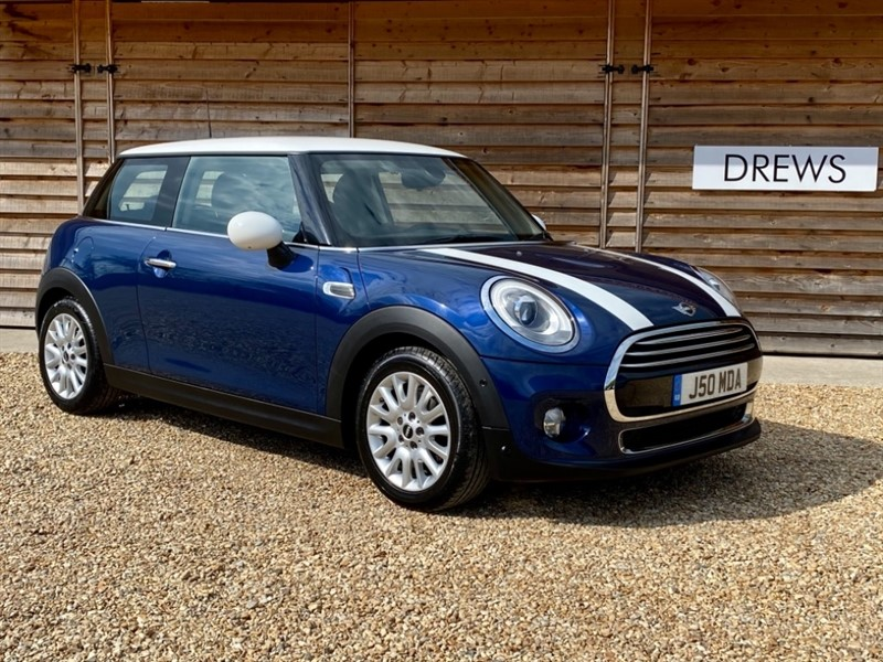 Used MINI Cooper 1.5 Petrol Automatic Facelift £7000 Factory Options in Berkshire