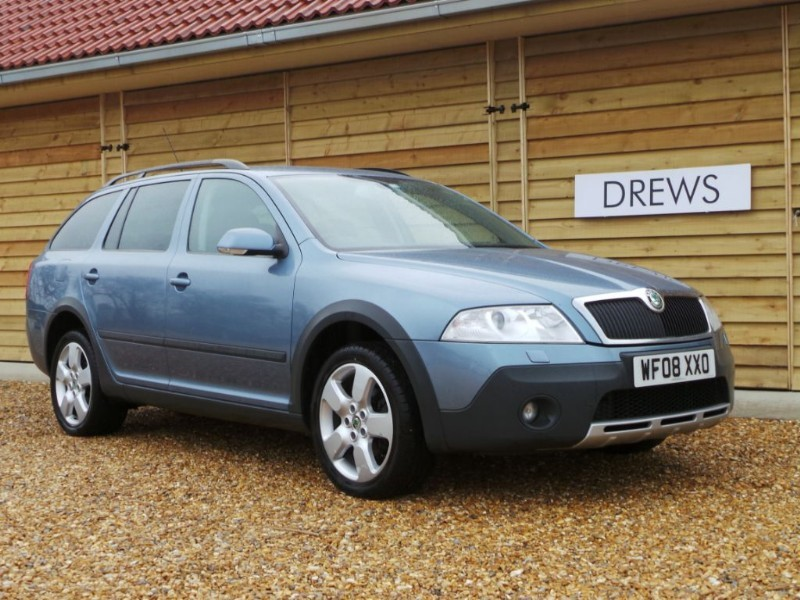 Used Skoda Octavia SCOUT TDI 4WD Cruise Control Roof Bars in Berkshire