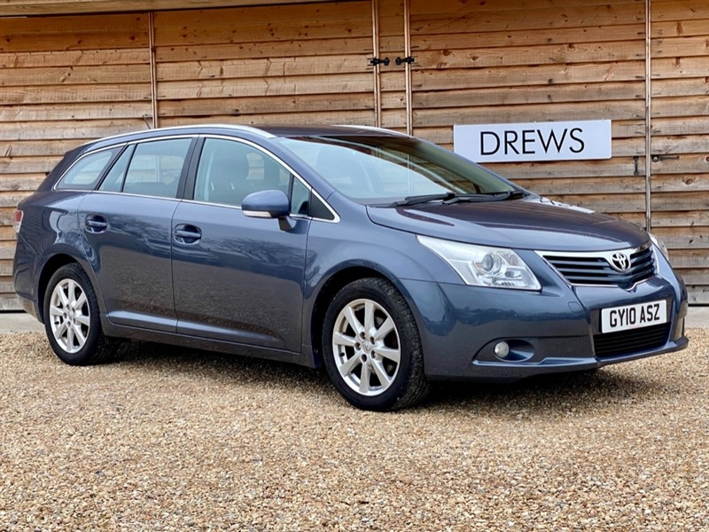 Used Toyota Avensis 1.8 Petrol TR Automatic Estate Bluetooth in Berkshire