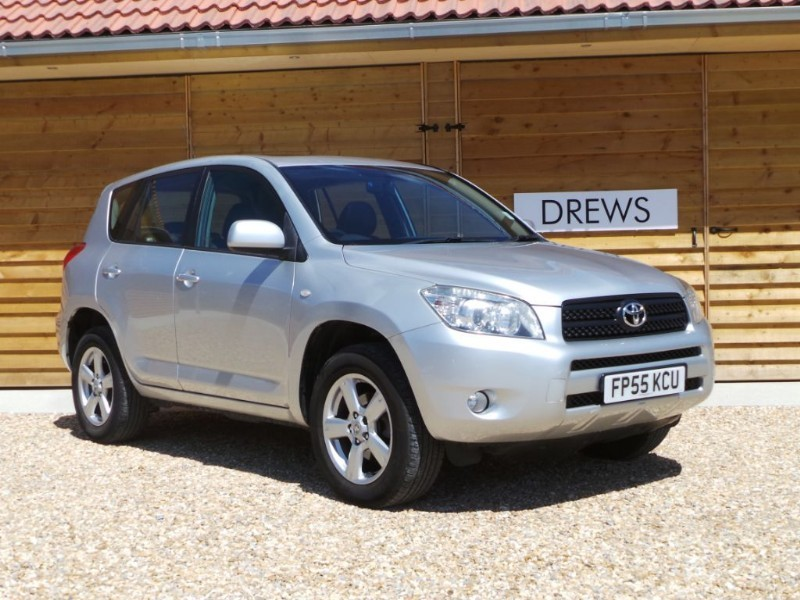 Used Toyota RAV4 XT4 VVT-I Great Condition 9 Service Stamps in Berkshire