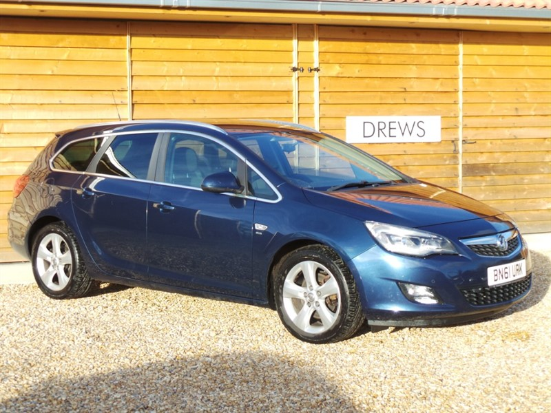 Used Vauxhall Astra SRI 2.0 CDTI S/S 60 MPG Combined Great Condition in Berkshire