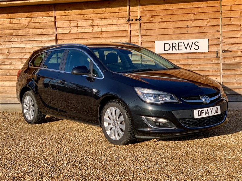 Used Vauxhall Astra ELITE CDTI S/S Heated Leather Seats Front & Rear Parking Sensors in Berkshire