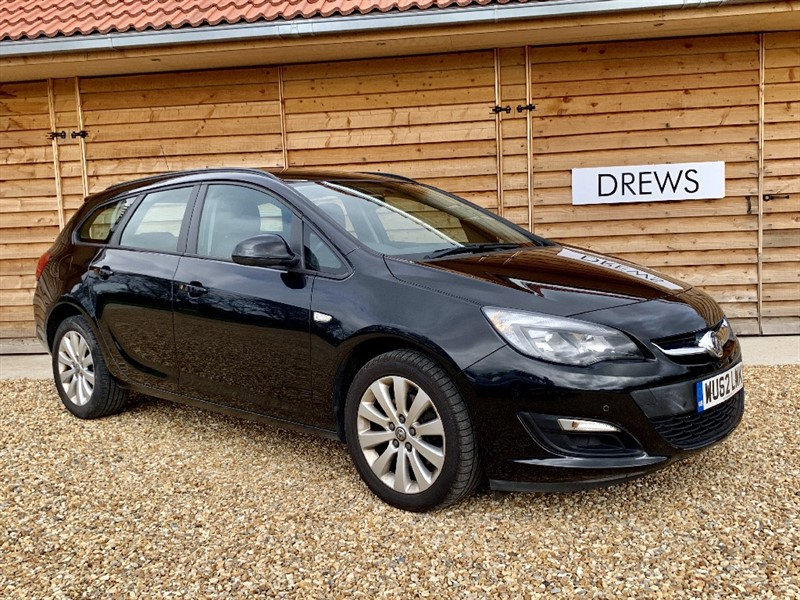 Used Vauxhall Astra EXCLUSIV CDTI ECOFLEX S/S in Berkshire