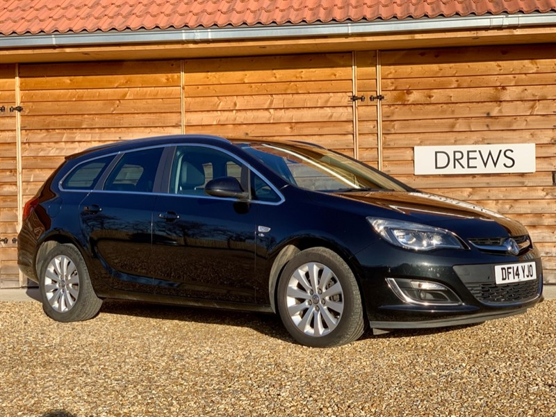 Used Vauxhall Astra ELITE Estate CDTI S/S Leather Trim Just Serviced in Berkshire