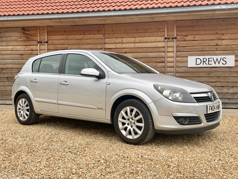 Used Vauxhall Astra ELITE 16V 1.8 Automatic Nov 2020 MOT in Berkshire