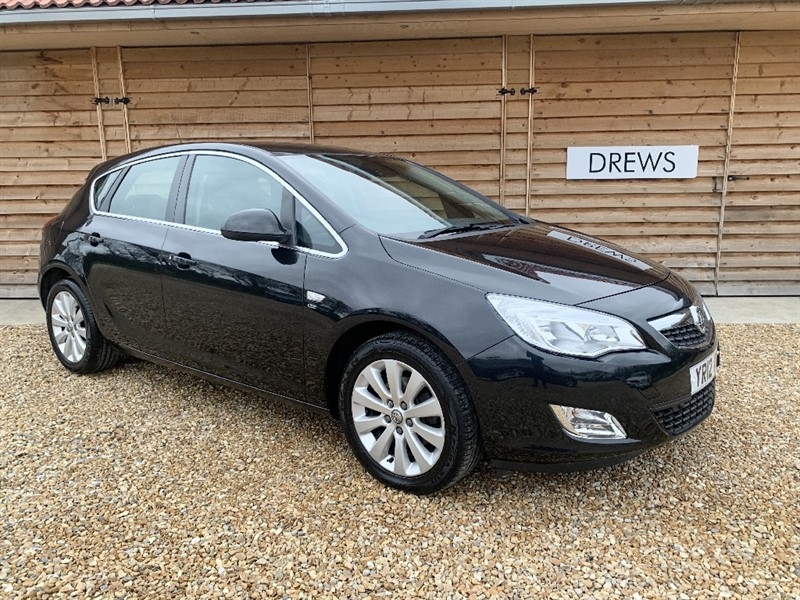 Used Vauxhall Astra ELITE CDTI S/S Leather Trim Cheap Tax Great Spec in Berkshire