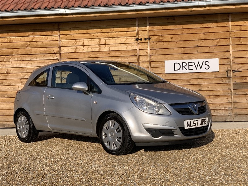 Used Vauxhall Corsa CLUB AC 16V Fsh Just Serviced in Berkshire