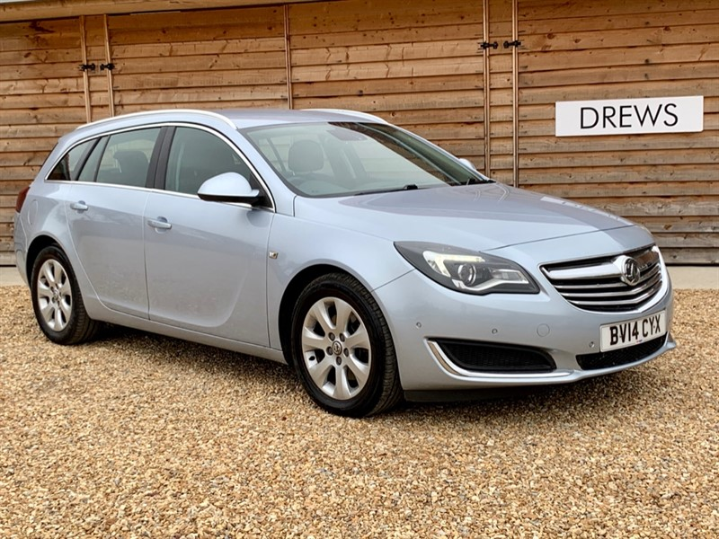 Used Vauxhall Insignia TECH LINE CDTI ECOFLEX S/S in Berkshire