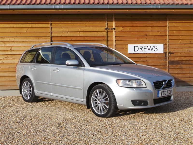 Used Volvo V50 SE LUX Automatic Heated Leather Trim in Berkshire