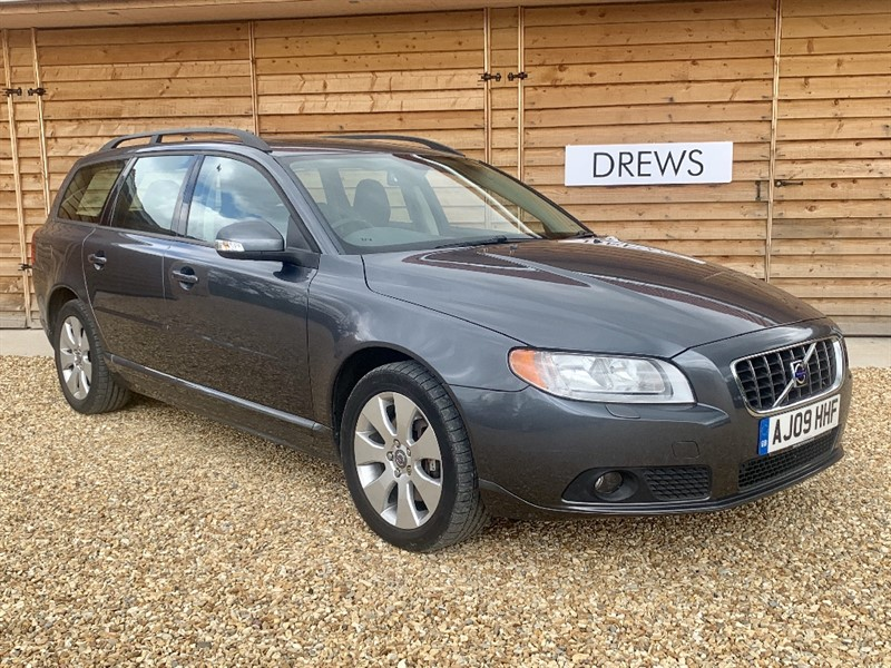 Used Volvo V70 D SE Auto Leather Trim FSH Just Serviced May 2020 MOT in Berkshire