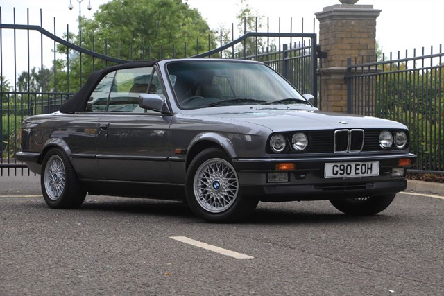 used BMW 325i MOTORSPORT CONVERTIBLE in battersea-south-london