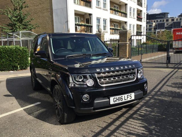 used Land Rover Discovery SDV6 GRAPHITE in battersea-south-london