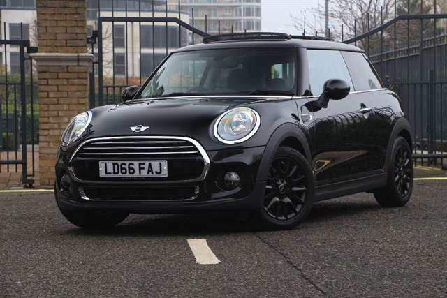 used MINI Hatch COOPER in battersea-south-london