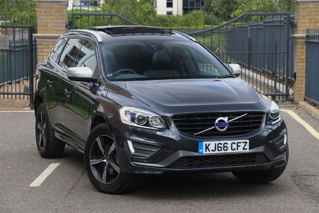 used Volvo XC60 R-DESIGN LUX D5 AWD 22O GEARTRONIC in battersea-south-london