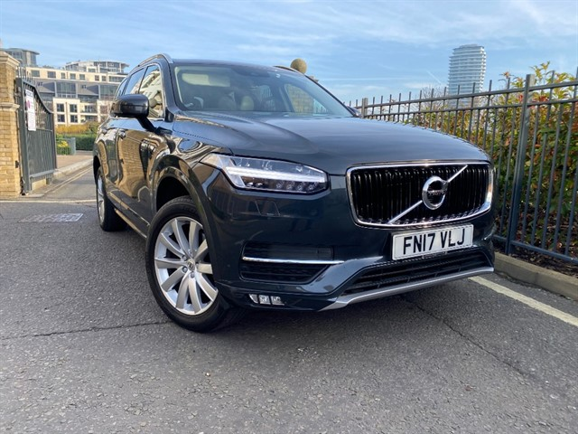used Volvo XC90 D5 POWERPULSE MOMENTUM AWD in battersea-south-london