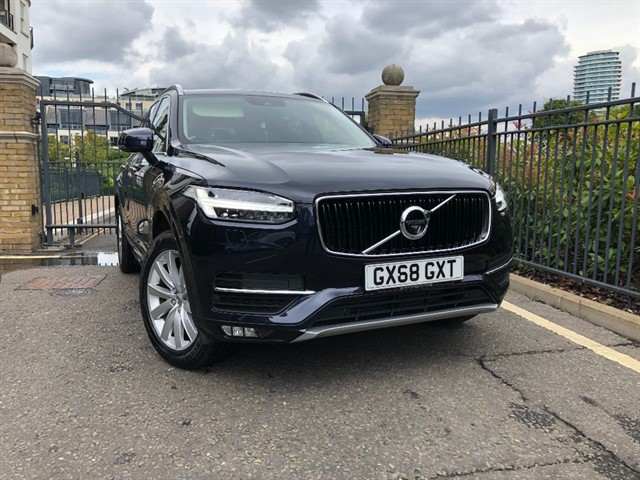 used Volvo XC90 T5 MOMENTUM AWD in battersea-south-london