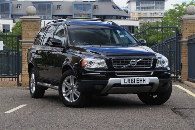 used Volvo XC90 D5 SE LUX AWD in battersea-south-london