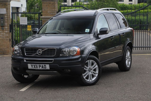 used Volvo XC90 D5 SE AWD in battersea-south-london