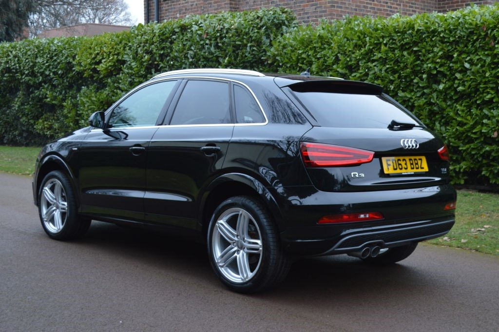 audi q3 in hersham surrey compucars. Black Bedroom Furniture Sets. Home Design Ideas