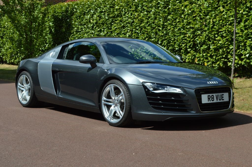 used Audi R8 QUATTRO in hersham-surrey