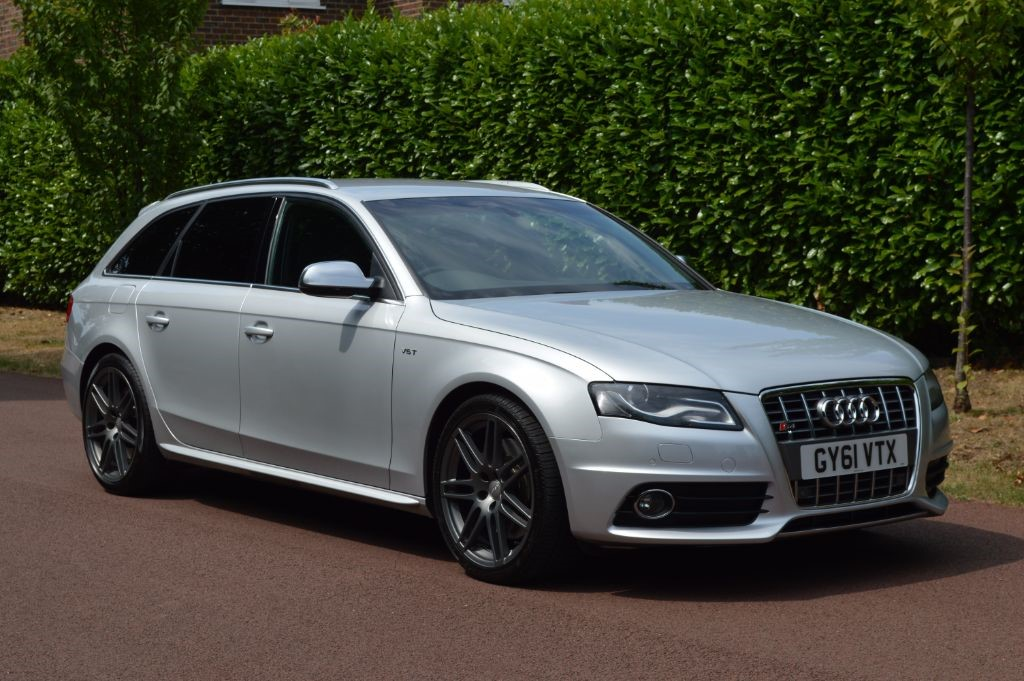 used Audi S4  AVANT QUATTRO in hersham-surrey