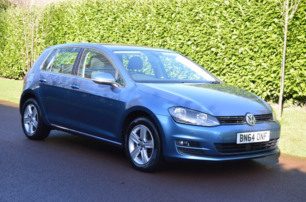 used VW Golf MATCH TDI BLUEMOTION TECHNOLOGY in hersham-surrey