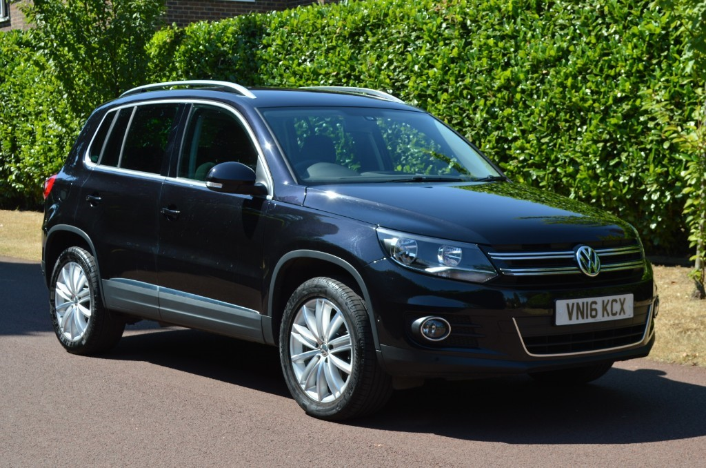 used VW Tiguan MATCH EDITION TDI BMT 4MOTION DSG in hersham-surrey