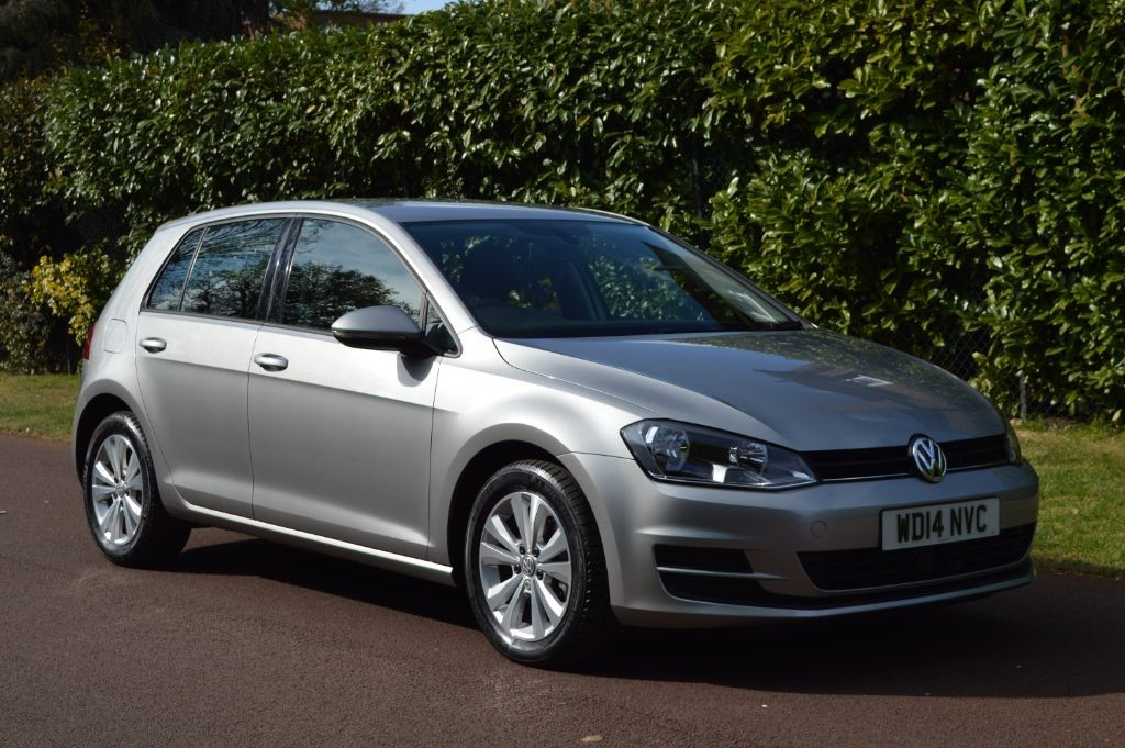 used VW Golf SE TDI BLUEMOTION TECHNOLOGY in hersham-surrey