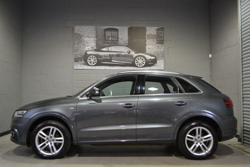 used Audi Q3 TFSI quattro S Line. Rare petrol with Bose & heated leather in buckinghamshire