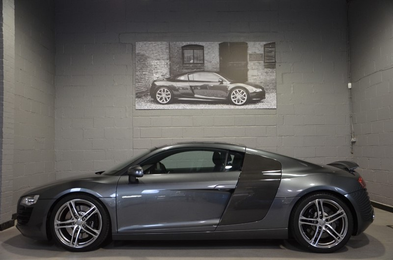 used Audi R8 FSI quattro 420ps 6spd manual. Awesome condition, fantastic specification in buckinghamshire