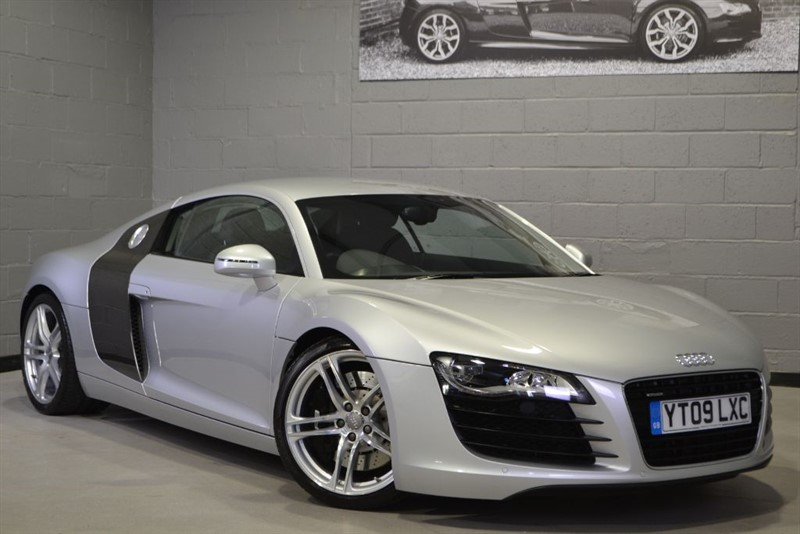 used Audi R8 FSI quattro 420PS 6 speed manual. Collector grade. Absolutely exceptional. in buckinghamshire