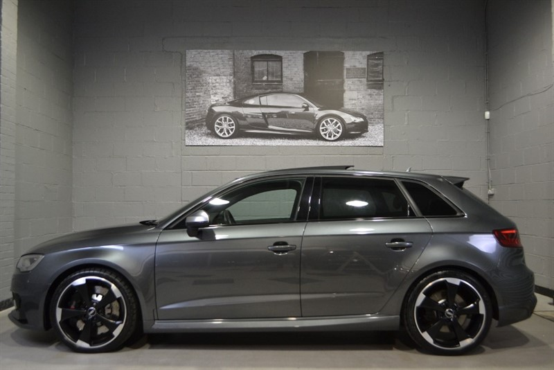 used Audi RS3 Sportback TFSI quattro 367PS. Dynamic pack, Pan roof, Super Sport seats in buckinghamshire