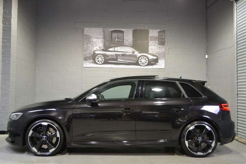 used Audi RS3 Sportback TFSI quattro 367PS. Pan roof, Dynamic pack, Super sport seats in buckinghamshire