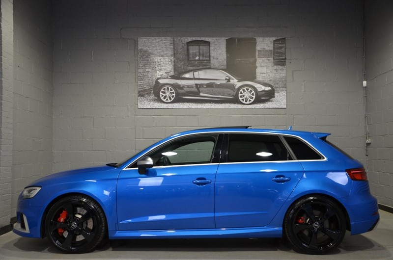 used Audi RS3 Sportback TFSI quattro 400PS. Panoramic sunroof, Bang & Olufsen in buckinghamshire