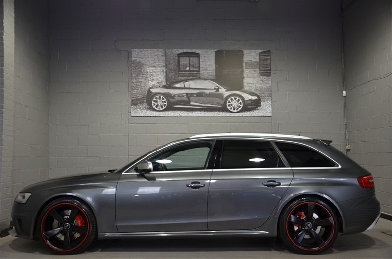used Audi RS4 Avant FSI quattro 450PS Limited Edition. Monster spec, single owner in buckinghamshire
