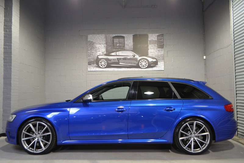 used Audi RS4 Avant FSI quattro 450PS. Exceptional example, wonderful condition in buckinghamshire