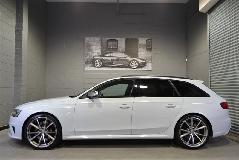 used Audi RS4 Avant FSI quattro 450PS. Sport pack, Pan roof, B&O in buckinghamshire