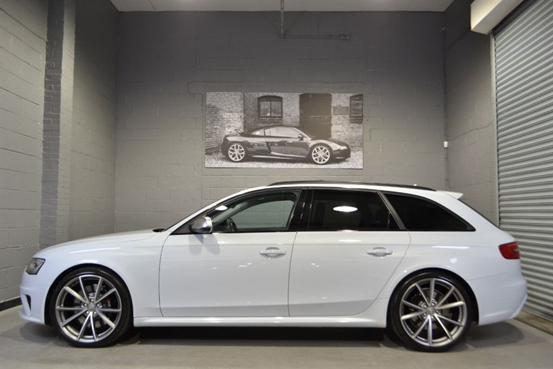 used Audi RS4 Avant FSI quattro 450PS. Pan roof, Bucket seats, one owner, Stunning! in buckinghamshire