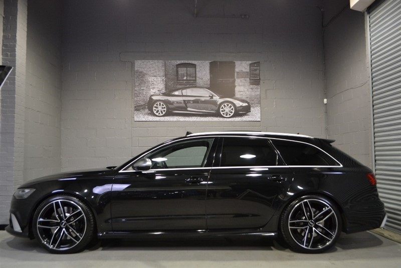 used Audi RS6 Avant TFSI quattro 560PS. Panoramic sunroof, Rear entertainment, Sport exhaust in buckinghamshire