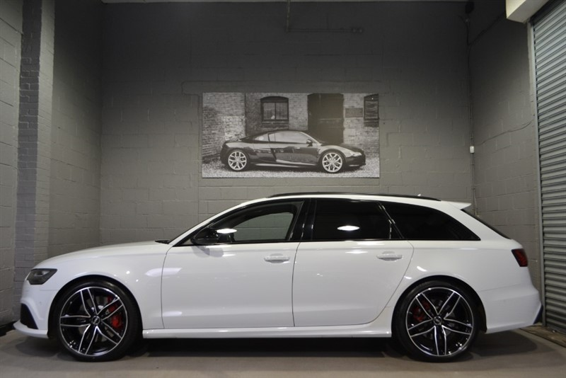 used Audi RS6 Avant TFSI quattro 560PS. Panoramic sunroof, Surround cameras, Sport exhaust in buckinghamshire