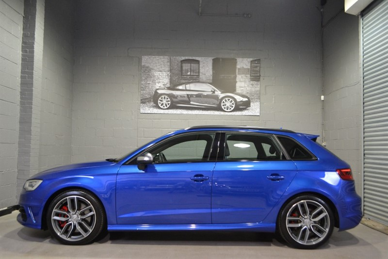 used Audi S3 Sportback quattro (300PS) S Tronic, Sunroof, Black Styling, Big Nav, B&0! in buckinghamshire