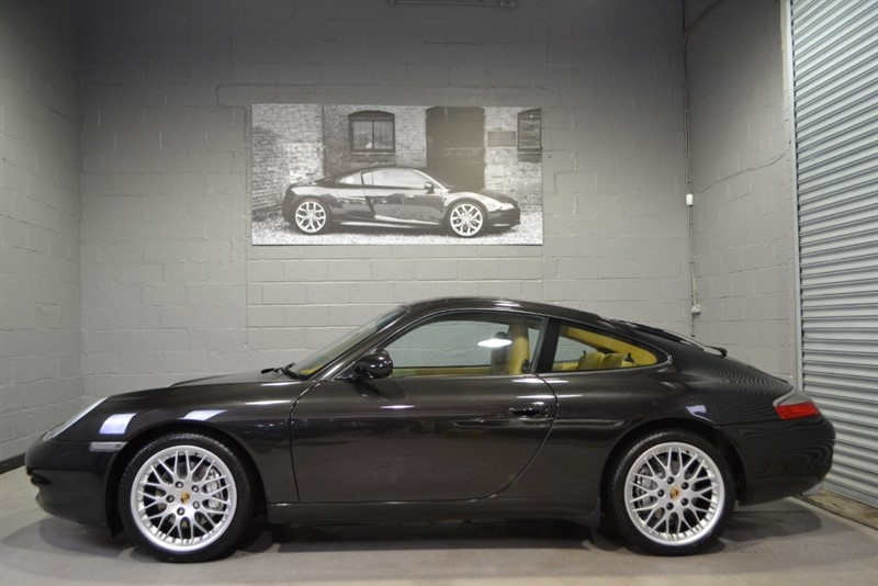 used Porsche 911 3.4 996 Carrera 4 Coupe 2dr Petrol Tiptronic S AWD, Incredible  history and condition! in buckinghamshire